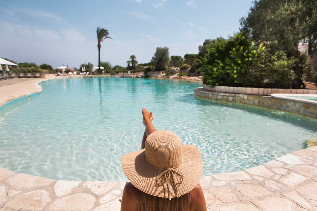 relax in puglia infinity pool
