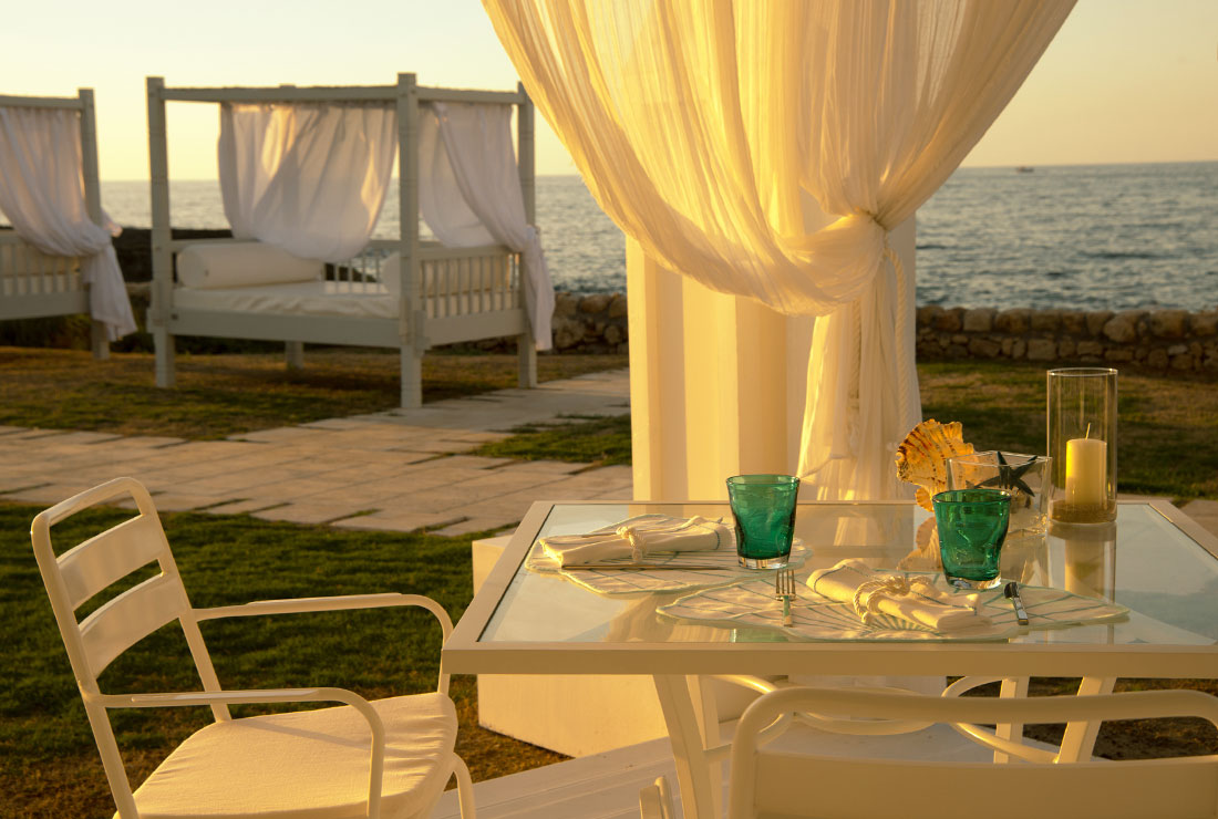 seaside-restaurant-in-puglia