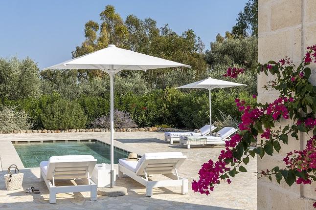 Villino with pool